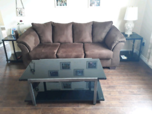 Brand new condition Three seater sofa (Couch)