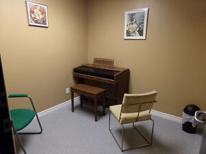 PIANO LESSONS AVAILABLE AT ALEXANDRIA MUSIC ACADEMY! Cornwall Ontario image 4