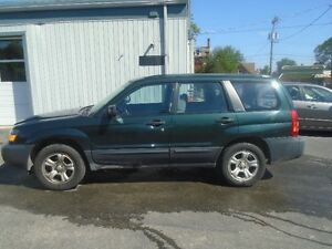 2004 SUBARU FORESTER AUTOMATIC TRANSMISSION  ONLY 120 000 KMS!!!