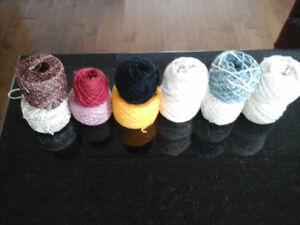 Lot de balles de laine variées (5 $ pour le tout)