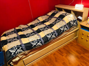 Twin Bed with headboard and 2 drawers for storage
