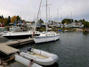 Hunter 25 sail boat