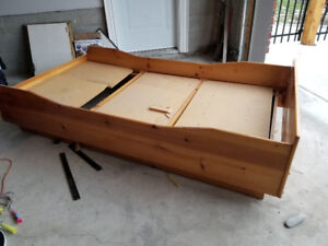 Free pine bed