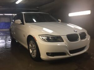 2011 BMW 328i xDrive Sedan with 2 Sets of Tires