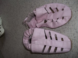 Robeez Girls Pink Shoes Located in Marmora Peterborough Peterborough Area image 1