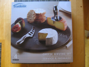 TRUDEAU, SLATE 4 PC. CHEESE SERVING SET