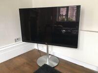 """Loewe Art 55"""" 4K UHD TV + Amazing Stand!"""