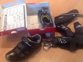 Specalized cycling shoes pedals and rain covers