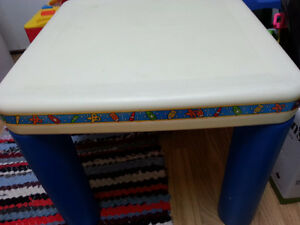 LITTLE TIKES TABLE{NO CHAIRS{ TABLE ONLY;