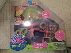 NEW Littlest Petshop Teensies Twirlworld
