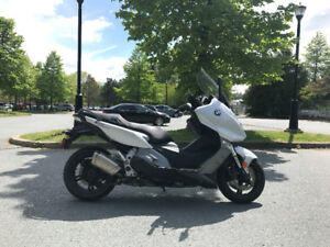 "2013 BMW C600Sport (647cc) Fully loaded ""Trade"" or ""Sell"""