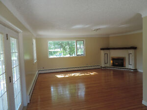 VERY LARGE THREE BEDROOM APARTMENT BY ST LAWRENCE