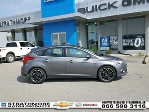 2012 Ford Focus Titanium-Navigation-Leather-Moonroof-Alert Pkgs-