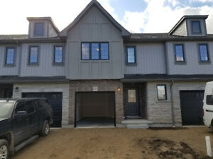 BRAND NEW Luxurious TownHome for RENT (2 min from Hespeler)