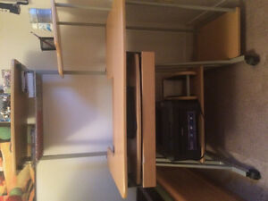 Selling Desk in Great Condition Kitchener / Waterloo Kitchener Area image 2