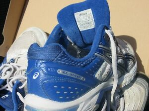 Volleyball Court Shoes- Mizuno or ASICS London Ontario image 3