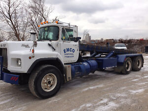 1995 Mack RB Tandem Roll-Off