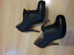 Ladies Aldo shoes size 7