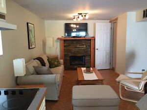 Couples room available in Banff (SHORT TERM)