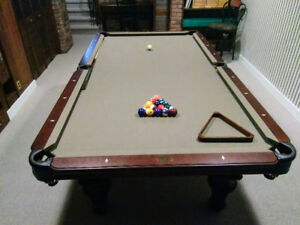 Olhausen Pool Table for Sale with full Accessory Kit