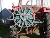 Tractor mounted potato spinner/lifter