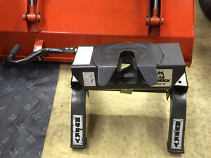 Solide Attache Sellette HUSKY 16K W Fifth Wheel Hitch