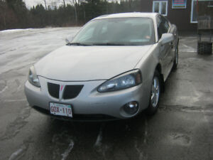 2007 Pontiac Grand Prix Black cloth Sedan