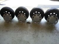 4 Hankook Snow Tires on Steel Rims (185/65/R14)