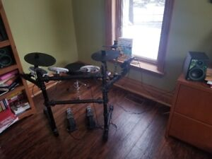 Electronic Drums w/Speakers