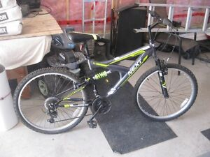 For sale, new Next eighteen speed neaver used