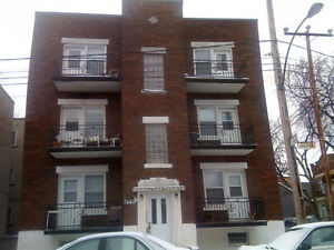 GRAND - 4 1/2 - 3e etage Ave LAURIER coin 7e Ave - JUILLET 2016