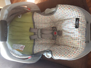 Graco Snugride Classic Connect Infant Carseat