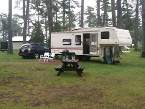 1993 Terry Fleetwood fifth wheel trailer