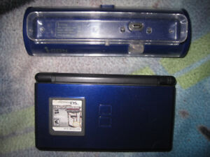 NINTENDO DS LITE WITH GAME,I-CON CHARGER & RECHARGE/BATTERIES