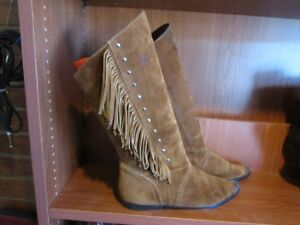 Ladies Suede Boots Size 9 For Sale
