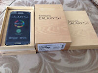 SAMSUNG GALAXY S4 , UNLOCKED , WITH SD CARD AND OTTERBOX'S