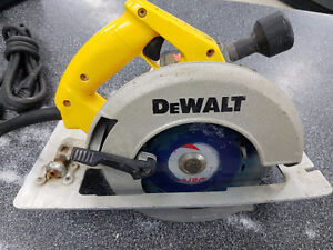 DeWalt DW364 7-1/4-Inch Circular Saw with Electric Brake