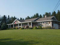 Waterfront!! Beautiful Ranch Style House(tranquil)on the waterTh