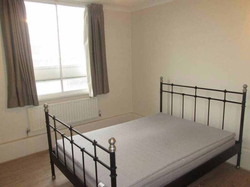 awesome 07957091448 room next to Bank only for 120pw