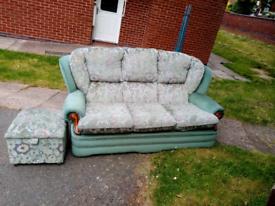 Sofa 2x chairs poofe