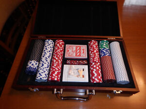 Fine Quality LABATT Poker Set