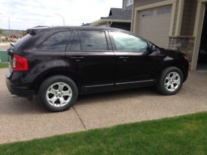 2014 Ford Edge SEL loaded in excellent condition!