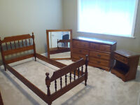 EXCELLENT FULL KIDS BEDROOM SET UP!
