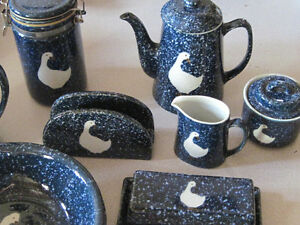 Vintage STONEWARE BLUE SPECKLE GOOSE Made in Japan