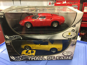 Hot Wheels 1/18 corvette Ferrari mib cool!