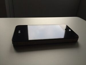 iPhone 4s 8gb | Rogers & Chat-r