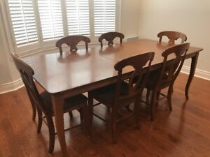 MAPLE CHERRY SOLID WOOD DINING TABLE