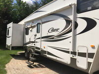 2012 Fifth Wheel Trailer - Cougar by Keystone 5th Wheel 31.5""