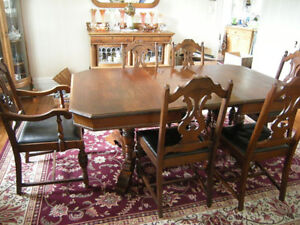Antique Walnut Jack Knife Double Pedestal Dining Table +6 Chairs