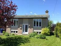 Superbe maison à louer - 185 rue Labelle à Chicoutimi Nord